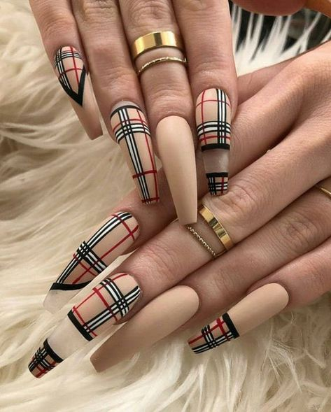 Nails ; Natural Nails ; Solid Color Nails ; Acrylic Nails ; Cute Nails ; Wedding Nails ; Sparkling ; Glitter ; Bridal Nails ; Simple Nails ; Nail Design ; Short Nails ; Gradient Nails ; Creative Manicure ; Long Nails ; Matte Nails ; Coffin Nails ; Almond Nails ; Gel Nails ; Prom Nails ; Kylie Jenner Nails ; Rose Gold Nails ; Stiletto Nails ; Unicorn Nails ; Holographic Nails ; Nails Invierno ; Dip Powder