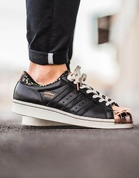 Exceptionnel Adidas Superstar Homme Metal Toe Noir, Gold