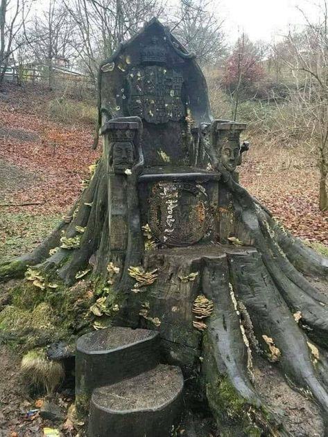 "relatablepicsoftaliesineveryday: "" the-weaver-of-worlds: "" "" "" tombstonetourism: ""A tree trunk throne in Kendall, England. "" Doesn't look safe for a mortal. "" There's so much potential in a throne like this."