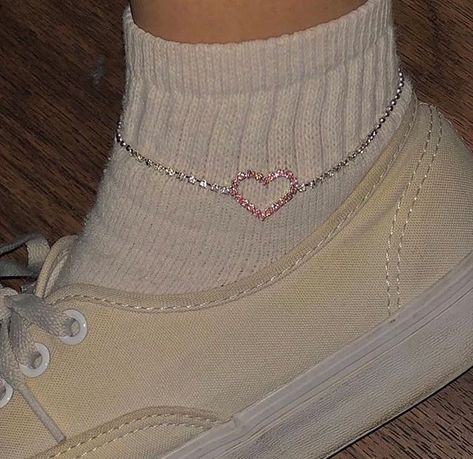 silver Check out mega collection of Stunning Anklets that are … – Positive Merlins – Jewelry Indie Outfits, Cute Outfits, Fashion Outfits, Fashion 2018, Cute Jewelry, Jewelry Accessories, Lolita Outfit, Accesorios Casual, Looks Style