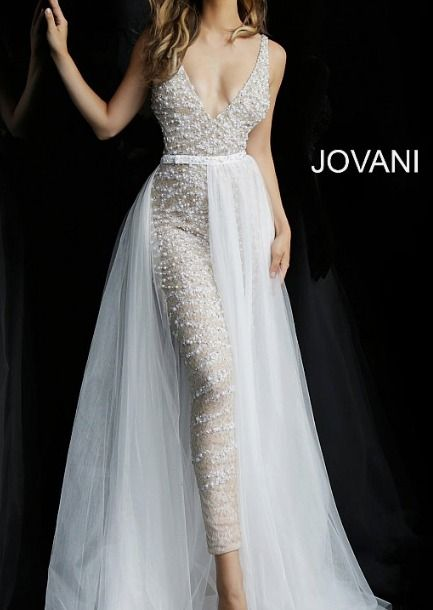 Form fitting fully embellished ivory jumpsuit with nude underlay and flowy chiffon overskirt features sleeveless backless bodice with low v neck. Wedding Dress For Short Women, Black White Wedding Dress, 2 Piece Wedding Dress, Ombre Wedding Dress, Wedding Reception Outfit, Slit Wedding Dress, Informal Wedding Dresses, Wedding Dress Removable Skirt, Wedding Ideas