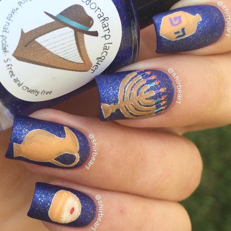 Visit www.oceansofbeauty.com for EZ Dip Gel Powder. It is so easy to DIY EZdip! No lamps needed, lasts 2-3 weeks! #hanukkah #hanukkahnails #holiday #holidaynails #ezdip #manicure #nailart #nails #gelpowder