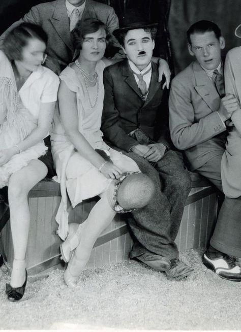 Chaplin Images Videos Charlie Chaplin Parait