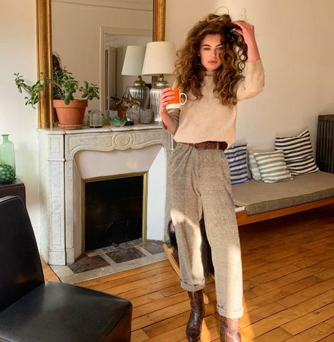 7 French Girl Style Rules to Live (and Shop) By Brown Boots Outfit, Cowboy Boot Outfits, Brown Cowboy Boots, Dresses With Cowboy Boots, Cowgirl Boots, Western Boots, Riding Boots, French Fashion, Look Fashion