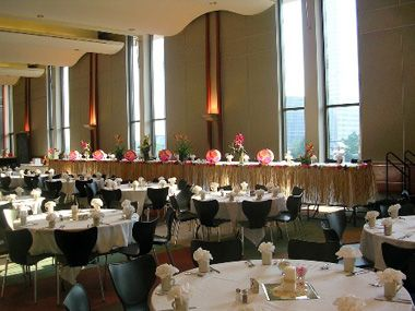 The Memorial Hall Is An Elegant Site For Receptions Banquets And Luncheons War Center Milwaukee Wi Pinterest Memorials Banquet