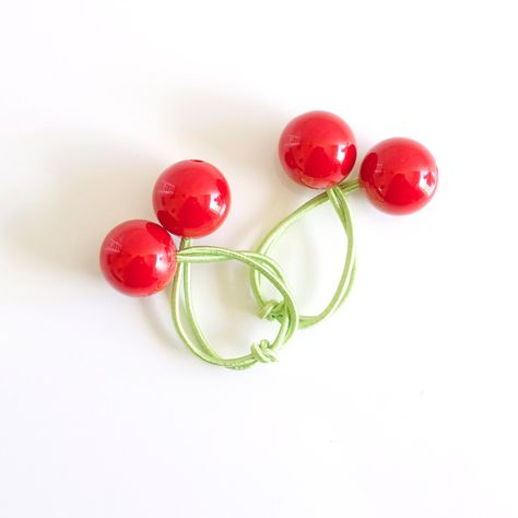 Hair ties. Elastic hair ties. Funky. Red cherries. Retro style hair bobbles.  by Smukie on Etsy 54e71e7a133