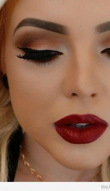 Awesome Cat Aye Makeup Matched With Ruby Red Lips Maquillaje De