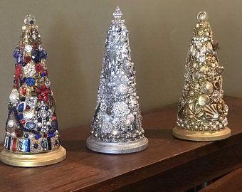 Repurposed Vintage Jewelry Art Christmas Tree Pink In 2020 Vintage Jewelry Art Jewelry Christmas Tree Jewelry Art