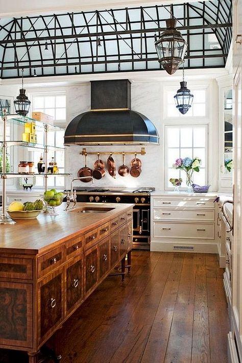 Awesome Traditional Kitchen Design Ideas With French Style kitchen kitchendesign kitchendesignideas 797911258964005327 Interior Modern, Kitchen Interior, Kitchen Decor, Interior Design, Modern Exterior, Casa Retro, Classic Kitchen, French Kitchen, Country Kitchen