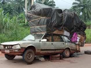 Hilarious Photos Of An Overloaded Car Spotted On The Road A Facebook User Identified As Patricks Idoko Iyke Has Cried Out After Seeing Funny Photos Car Photo