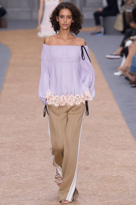 See all the Collection photos from Chloé Spring/Summer 2016 Ready-To-Wear now on British Vogue
