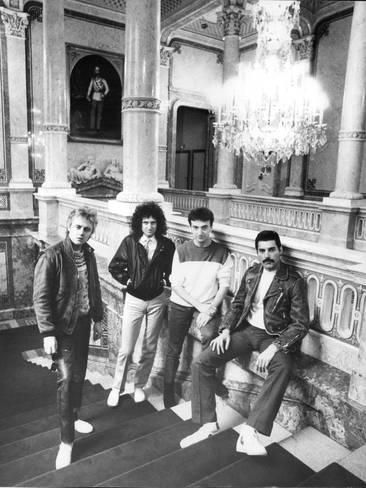 Photo: Queen in Vienna by Associated Newspapers : 24x18in