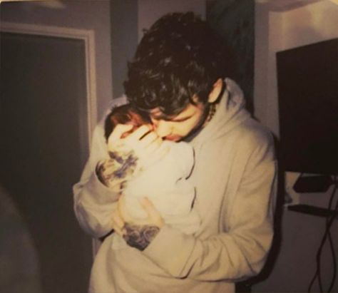 Liam Payne Reveals 'Internal Battle' Over Baby Name With Cheryl — Why They Picked Bear Uh oh! Liam Payne originally wasn't on board with naming his baby son 'Bear' until girlfriend Cheryl did some serious arm twisting. We've got the details on the 'inter… Cheryl Cole And Liam, Liam Payne Cheryl, Liam James, Wattpad, Welcome Baby Boys, First Mothers Day, First Love, My Love, Work Memes