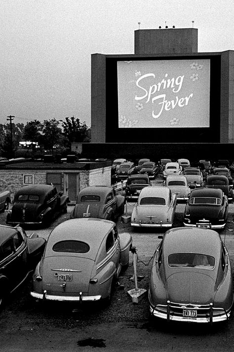 Vintage Cars Drive-in Theater, Chicago, Spring Fever was a Terrytoon cartoon starring Gandy Goose. - Drive-in Theater, Chicago, Spring Fever was a Terrytoon cartoon starring Gandy Goose. Black And White Photo Wall, Black White Art, Black White Photos, Drive In Movie Theater, Drive In Cinema, Movie Drive, Vintage Movie Theater, Movie Cars, Movie Film