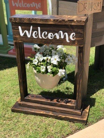 Hanging Flower Basket Stand Outdoor Flower Stand Personalized Plant Stand Porch Decor Flower Stand Welcome Sign Front Porch Decor Hanging Flower Baskets Wood Plant Stand Hanging Plant Holder