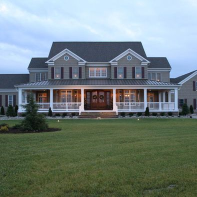55 Awesome Home Exterior Design Ideas. You can fix your home exterior design even if you do not have much money. In this article I am going to talk about the ways to improve your home exterior design. Farmhouse Plans, Modern Farmhouse, Farmhouse Style, Farmhouse Front, Farmhouse Design, Farmhouse Bedrooms, Victorian Farmhouse, French Farmhouse, Traditional Exterior