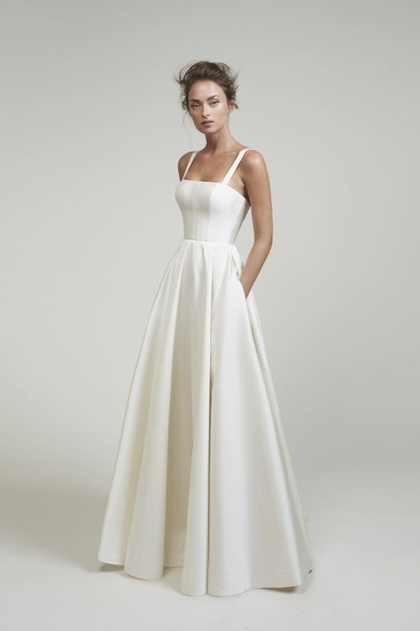 Lihi Hod Wedding Dresses white wedding dress in white. This best image collections about Lihi Hod Wedding Dresses white wedding dress in white is available to d Wedding Dress Black, Cute Wedding Dress, White Wedding Dresses, Bridal Dresses, Backless Wedding, Bridesmaid Dresses, Vintage Dress Wedding, Corset Wedding Dresses, Wedding Reception Dresses