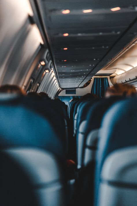 selective focus photography of airplane Depth of Field car Airplane Photography, Focus Photography, Travel Photography, First Time Flying Tips, Airplane Wallpaper, Plane Ride, Fly Plane, Long Flights, Air Flights