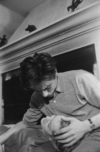 The Greatest Love Story Ends With A Moving Letter - - Some days ago I wrote about Romy Schneider, after that I got stuck on her story, in particular the relationship between her and Alain Delon. After spending hours trying to find a source or proof t…. Guy Aroch, Alain Delon, Romy Schneider, Cute Relationship Goals, Cute Relationships, Great Love Stories, Love Story, Cute Couple Stories, Cute Couples Goals