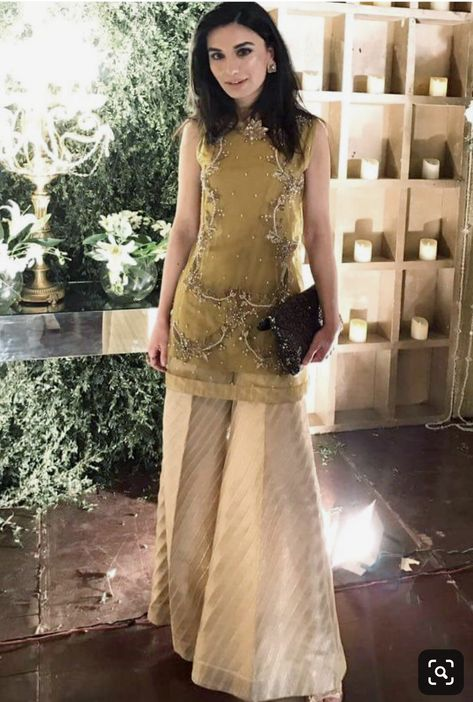 Indian party dresses/Indian wedding outfit