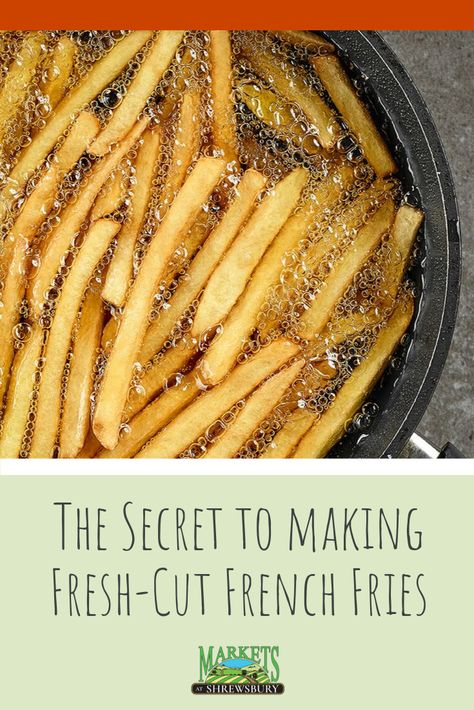 If you want to try your hand at cooking fresh-cut french fries at home, we have all the advice you need to ditch the bag Deep Fried French Fries, French Fries At Home, Cooking French Fries, Perfect French Fries, Best French Fries, French Fries Recipe, Recipe For Homemade French Fries, Best Fries Recipe, French Fries Fryer