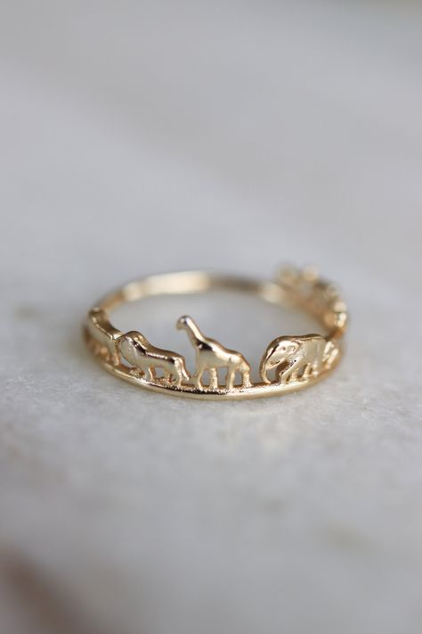 Animal Safari Ring Christmas Gift Elephant Giraffe Lion Rhino Ring Dainty Gold Animal Stacking Ring Sustainable Jewelry Xmas Gift for Her Dainty Jewelry, Cute Jewelry, Jewelry Rings, Jewelry Accessories, Dainty Ring, Jewelry Ideas, Gold Rings Jewelry, Gold And Silver Rings, Jewelry Tattoo