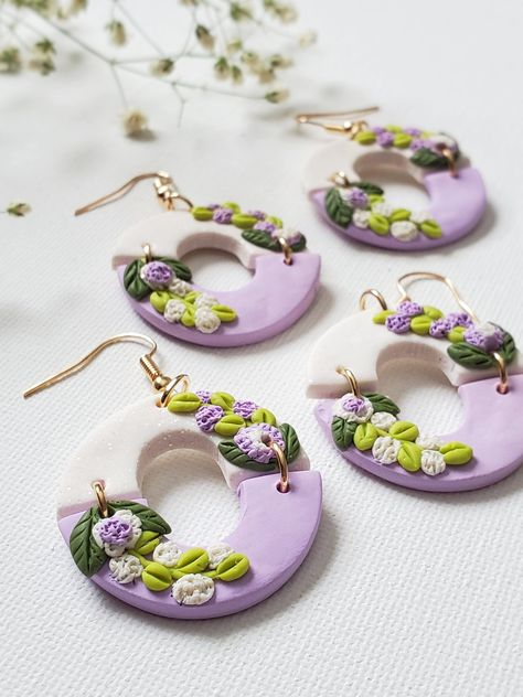Clay Pot Crafts, Polymer Clay Projects, Resin Crafts, Polymer Clay Flowers, Polymer Clay Beads, Cute Polymer Clay, Fimo Clay, Diy Clay Earrings, Flower Earrings