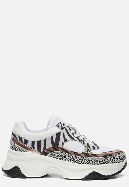 Sneakers wit in 2020 Zomerse sandalen, Schoenen en