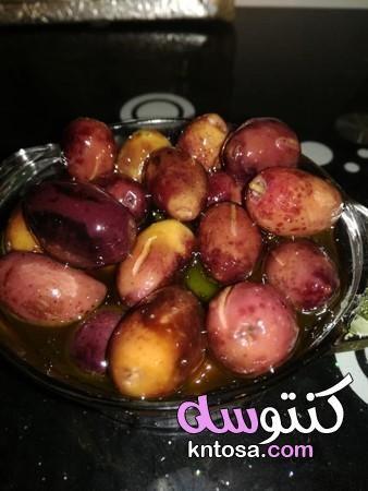 طريقتي المميزة لكبس الزيتون الاسمر طريقة عمل الزيتون الاسمر ودبس الرمان بالصور Food Fruit Vegetables