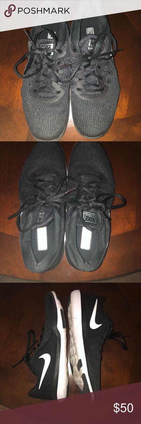 d9080c8e000c Women s Nike Flex Supreme TR6 Training Shoes EUC Nike Flex Supreme TR6  Training Shoes Worn less than 15 times Size 7 (fits true to size) Color  Black  White ...