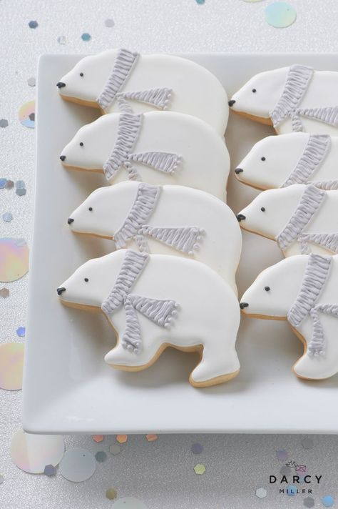 Polar bear cookies - Polar bear cookies Darcy Miller Designs Fill your dessert table with frosty themed treats - Frozen Baby Shower, Baby Shower Winter, Baby Winter, Winter Party Themes, Winter Parties, Winter Party Decorations, Christmas Parties, Frozen Birthday Invitations, Disney Frozen Birthday