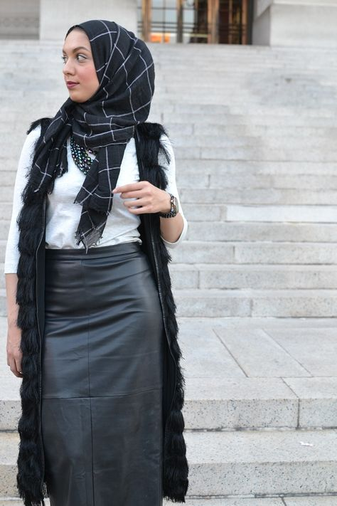 Hijab: Austere Attire // Skirt: Forever 21 // Top: H&M // Vest: H&M // Heels: Zara Classic black and grey look inspired by this lovely Austere Attire hijab.