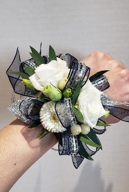 Pin By Tamaira Clarett On Be My Prom Date In 2020 Same Day Flower Delivery Flower Delivery Florist Design