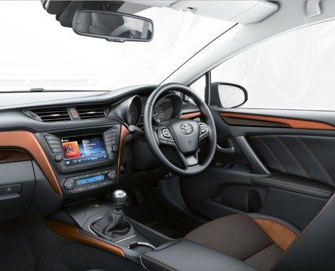 2018 Toyota Avensis Interior Decorations