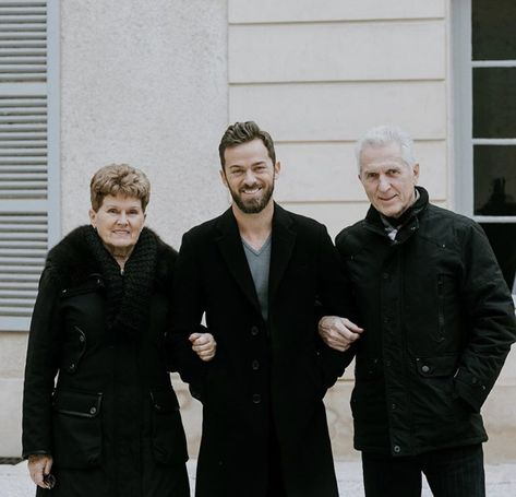 Artem Chigvintsev with his parents