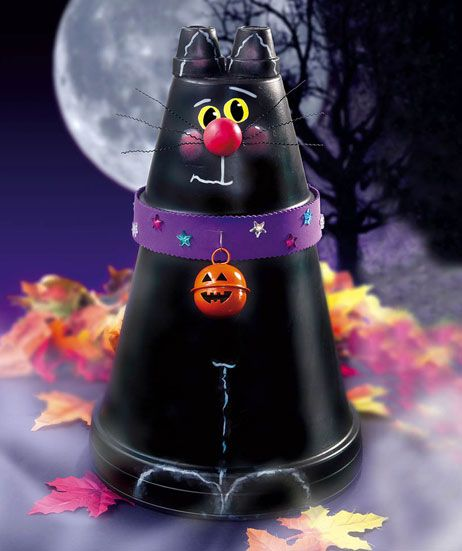 #crafts_nthings Flowerpot Black Cat Greeter FREE project instructions http://weekly.craftsnthings.com/issues/v2/i69/