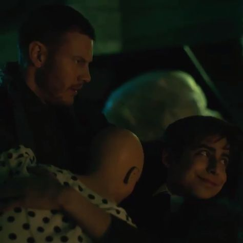 Drunk Number 5 Doesn't Need Protection - The Umbrella Academy