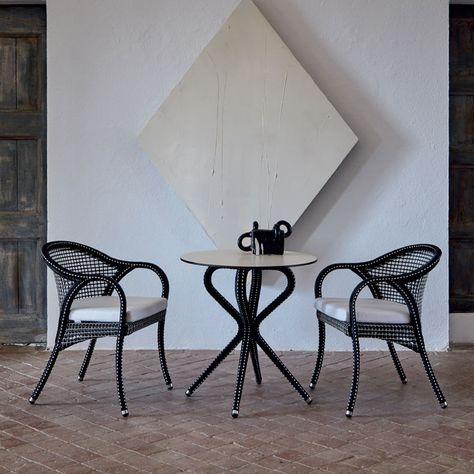 Tavolo Da Giardino Bianco.Havana E Un Meraviglioso Tavolo Da Giardino Caratterizzato Da Una