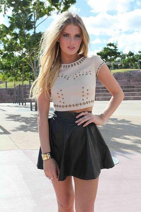С чем носить расклешенную юбку: 23 фото модных образов на ...
