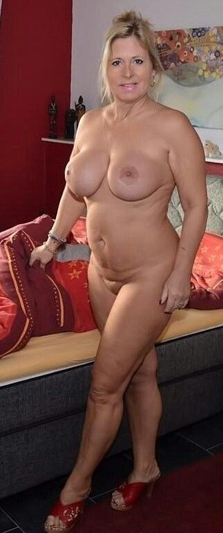 Real Nude Mature Women