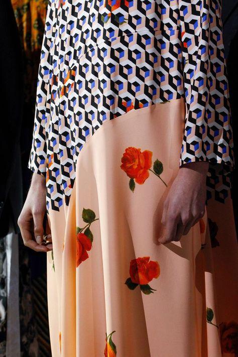 #fashion #printstyle #mixedprints #mixprints #prints #patterns #affordable #style #maximalist maximal #runwaylook #runway #look #fashionweek #floral #geometric #abstract #purple #botanical #ditsy #liberty #trends #womensfashion #boho