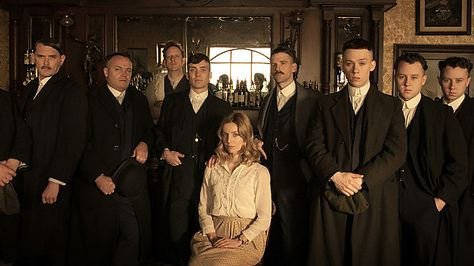 Thomas Shelby (Cillian Murphy), Grace Burgess (Annabelle Wallis), Arthur Shelby (Paul Anderson), John Shelby (Joe Cole)