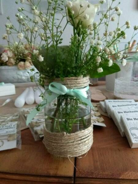 Verkaufe Diese 13 Kleinen Vasen Unserer Hochzeit Sie Sind Unterschiedlich Verziehrt Mit Juteschnur Vasen Di Diy Hochzeit Vintage Vintage Deko Kleine Vasen