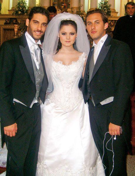 En Nombre Del Amor Telenovela Paloma Y Emiliano Primer Beso Hairstylegalleries Com Mermaid Wedding Dress Wedding Dresses White Formal Dress