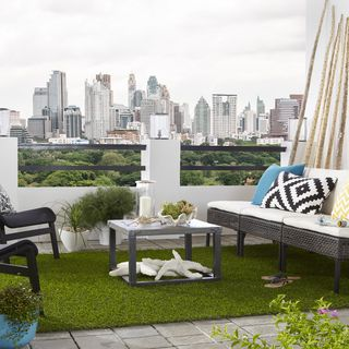 Superior Indoor/Outdoor Artificial Turf Grass Rug (5u0027 X 12u0027)   Overstock.com  Shopping   The Best Deals On 5x8   6x9 Rugs   Bedroom/Balcony Ideas    Pinterest   Grass ...