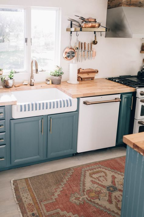 Customize your kitchen design with the @cafeappliance dishwasher in Matte White with Brushed Bronze Hardware cafeappliances.com #CafePartner #CafeCollective