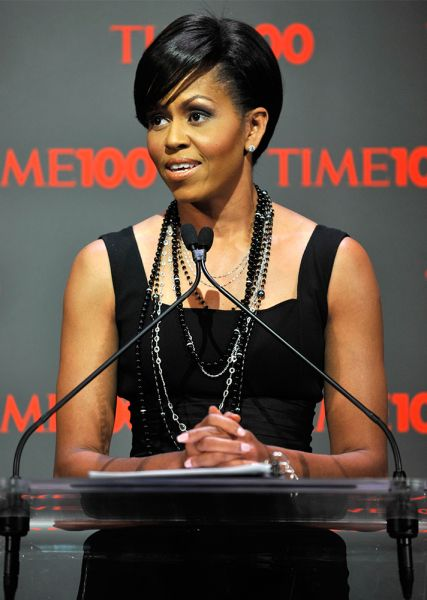 Michelle Obama S Best Hairstyles Stylecaster Michelle Obama Fashion Michelle Obama Hairstyles Michelle Obama