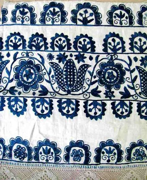Embroidery motif with Tulips of ceremonial scarves. Surroundings Prievidza 1 half of the century. Danglová by cristina