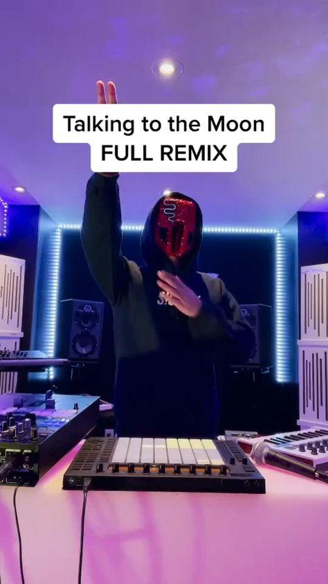 How To Mix Like A Professional DJ