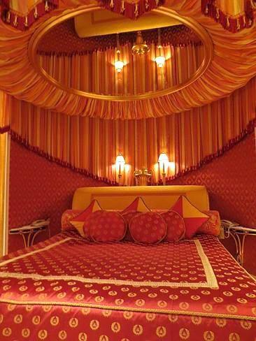 Deckenspiegel Uber Bett Bett Himmelbetten Und Schlafzimmer